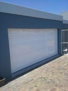 Aluminium garage door